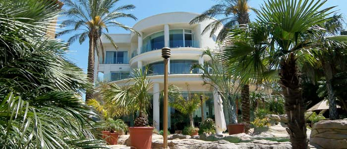 Modern villa in Malta