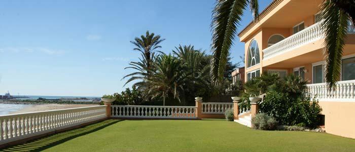 Beachfront villa, Sitges