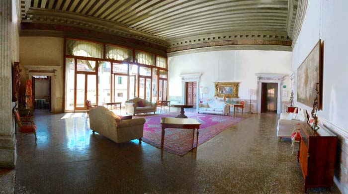 Palace apartment in Venice, Italy (3)