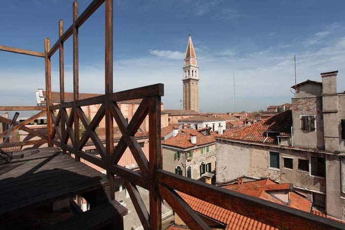 Palace apartment in Venice, Italy (2)