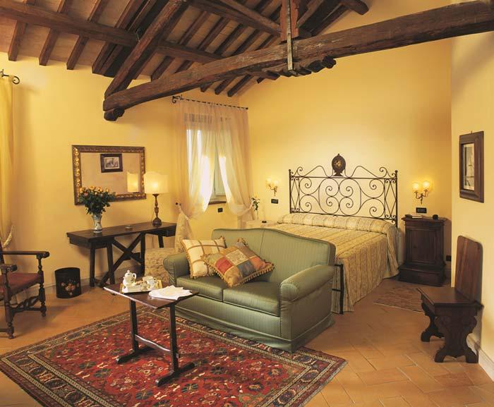 Italian palazo in spoleto, Umbria (5)