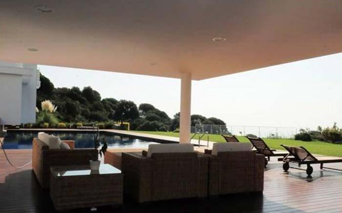 Modern villa in Costa Maresme, Spain (10)