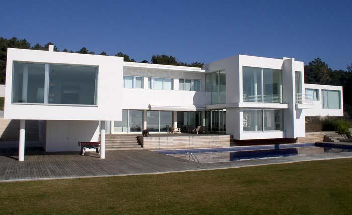 Modern villa in Costa Maresme, Spain (11)