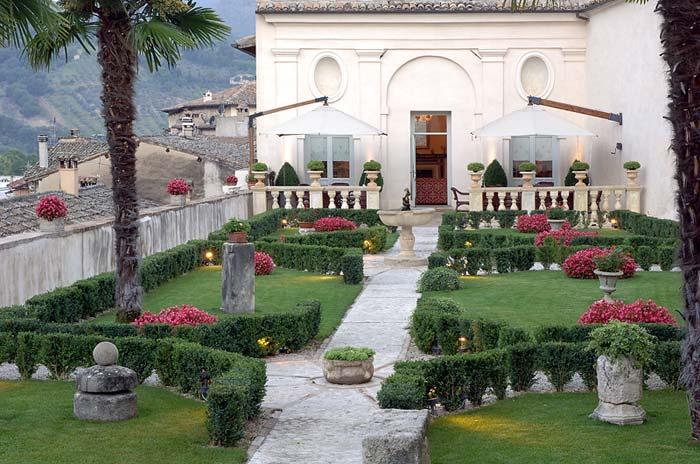 Italian palazo in spoleto, Umbria (4)