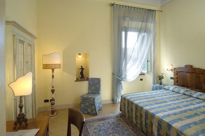 Italian palazo in spoleto, Umbria (2)