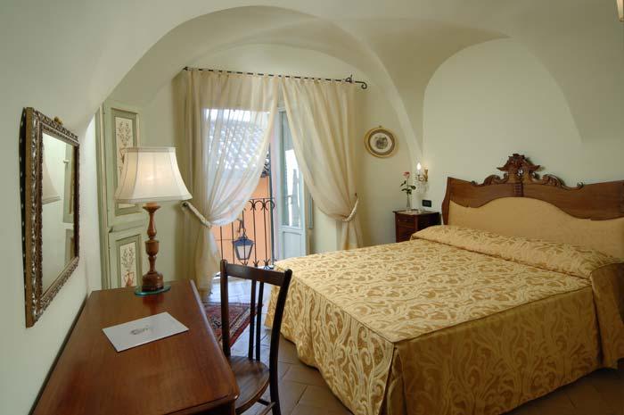 Italian palazo in spoleto, Umbria (1)