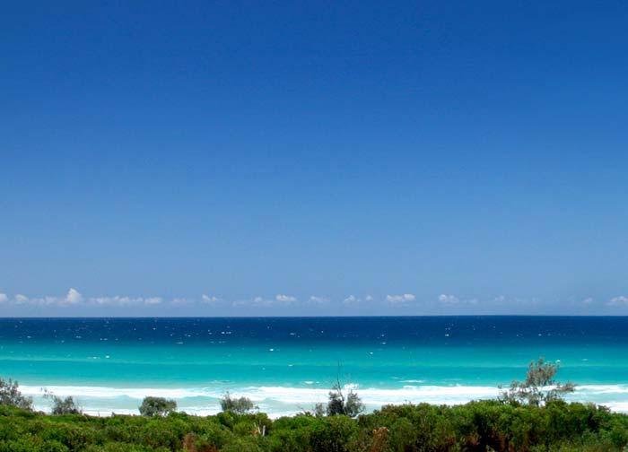 Beachfront  house on the Gold Coast Australia (5)