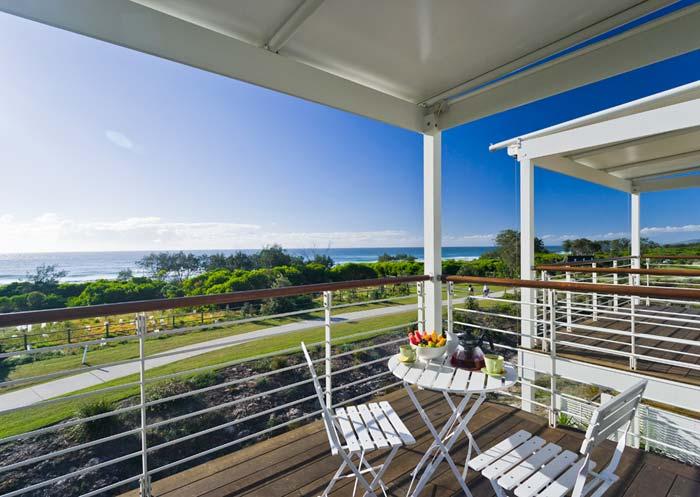 Beachfront  house on the Gold Coast Australia (7)
