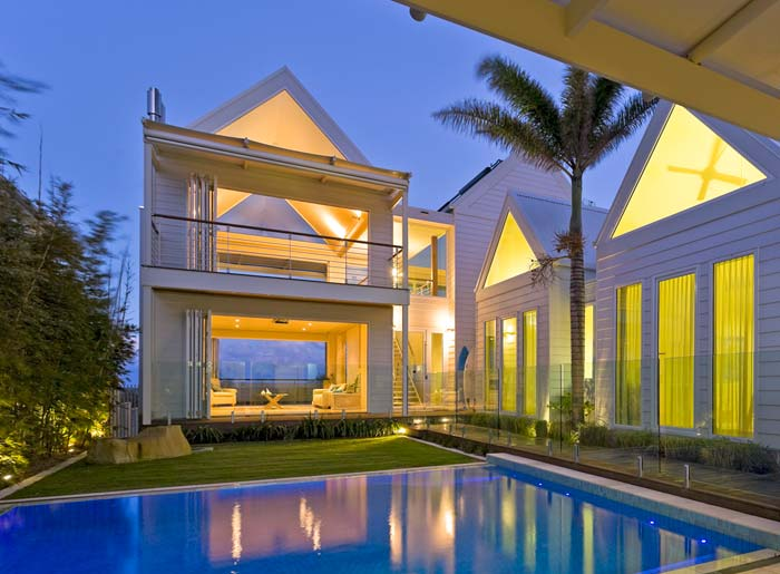 Beachfront  house on the Gold Coast Australia (3)