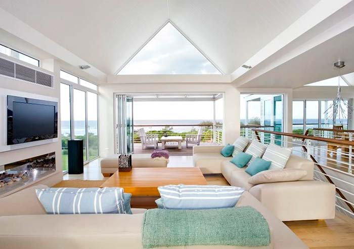 Beachfront  house on the Gold Coast Australia (9)