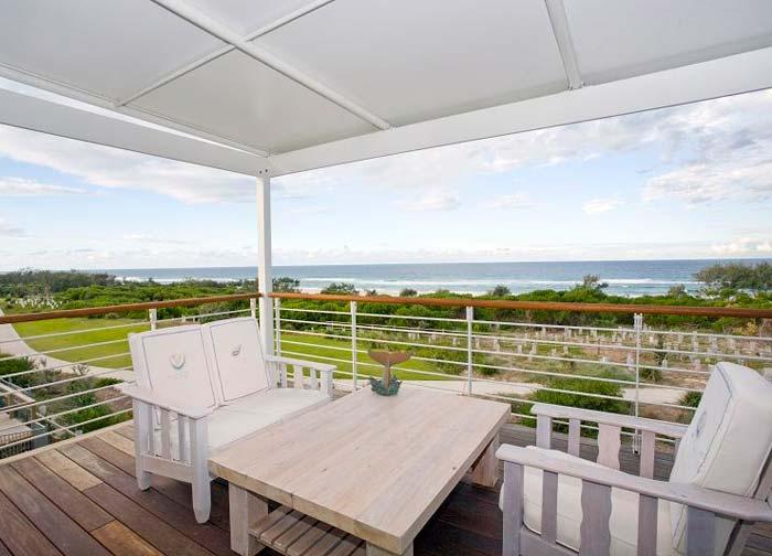 Beachfront  house on the Gold Coast Australia (4)