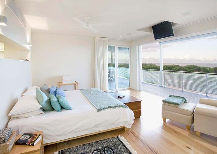 Beachfront  house on the Gold Coast Australia (6)