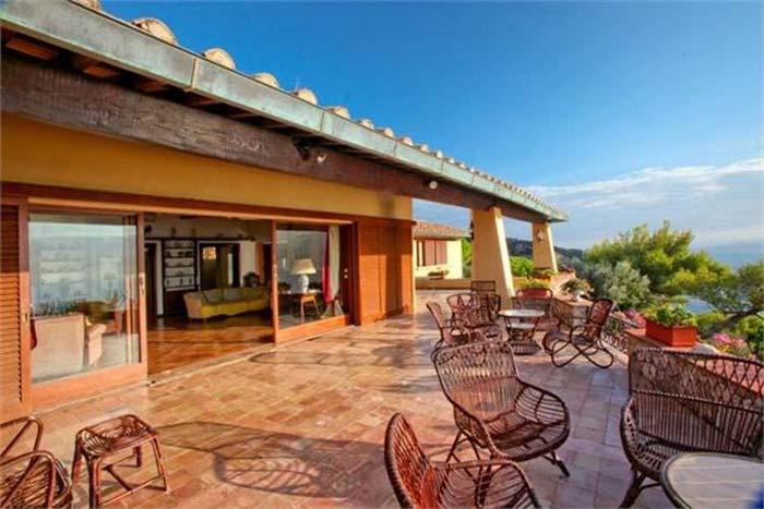 Sea front villa in Maremma Tuscany (12)