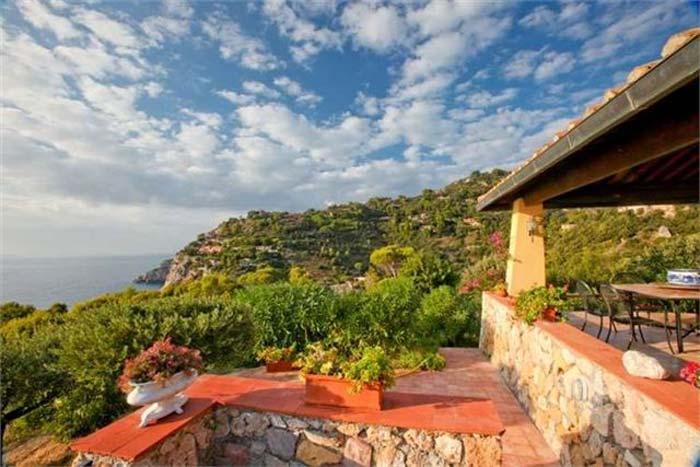 Sea front villa in Maremma Tuscany (1)
