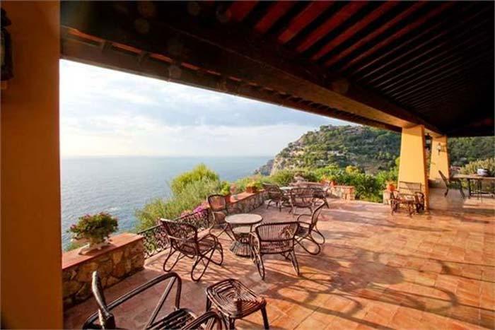 Sea front villa in Maremma Tuscany (11)