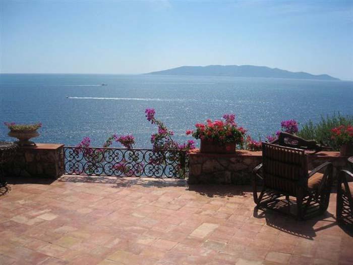 Sea front villa in Maremma Tuscany (10)