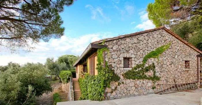 Sea front villa in Maremma Tuscany (7)