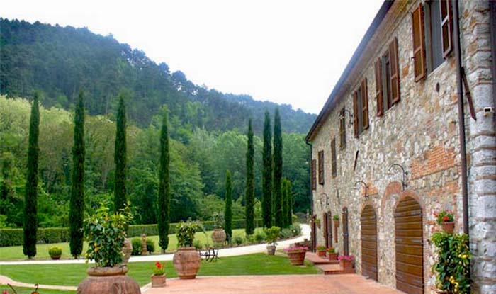 Tuscan farmhouse (4)