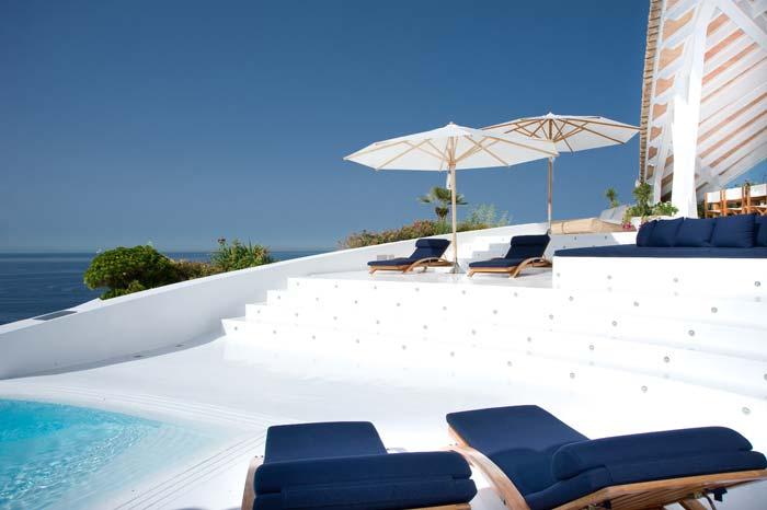 Luxury villa in Mallorca designed by Alberto Rubio (7)