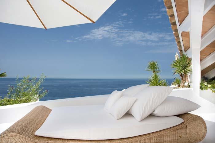 Luxury villa in Mallorca designed by Alberto Rubio (5)