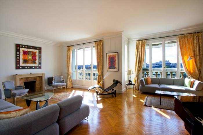 Prestigious Paris apartment in classic Haussman building (8)
