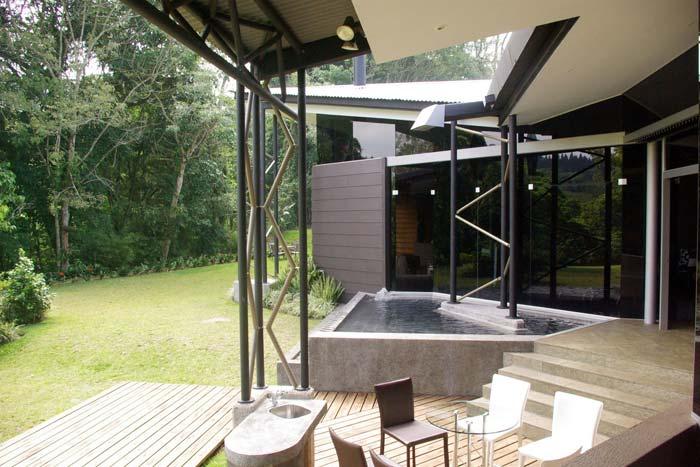 Contemporary Villa Tres Rios San Jose Costa Rica (4)