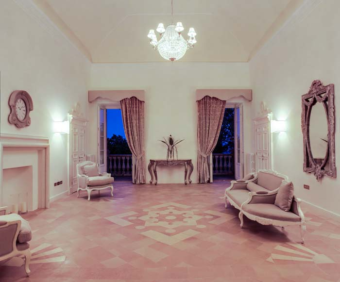 formal reception room, villa in le Marche