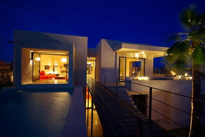 Lit villa in Marrakech