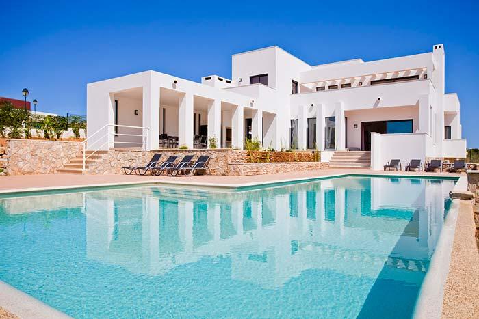 Modern villa in Porto de Mos, Algarve (2)