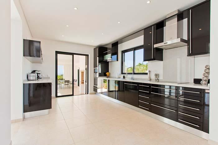 Modern villa in Porto de Mos, Algarve (6)