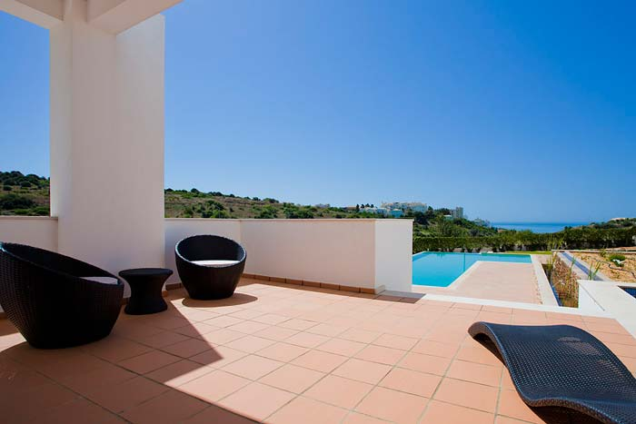 Modern villa in Porto de Mos, Algarve (3)