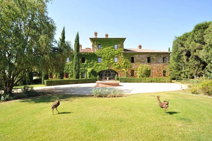 Luxury country estate Tuscany Italy (6)