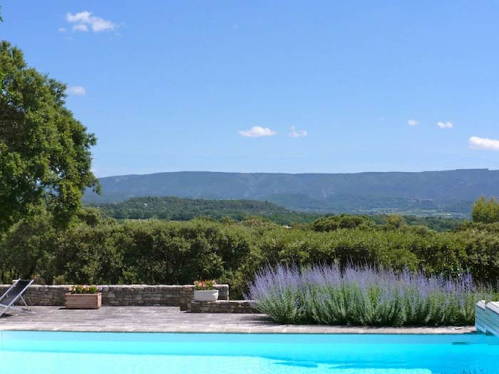 country house near Gordes in Provence