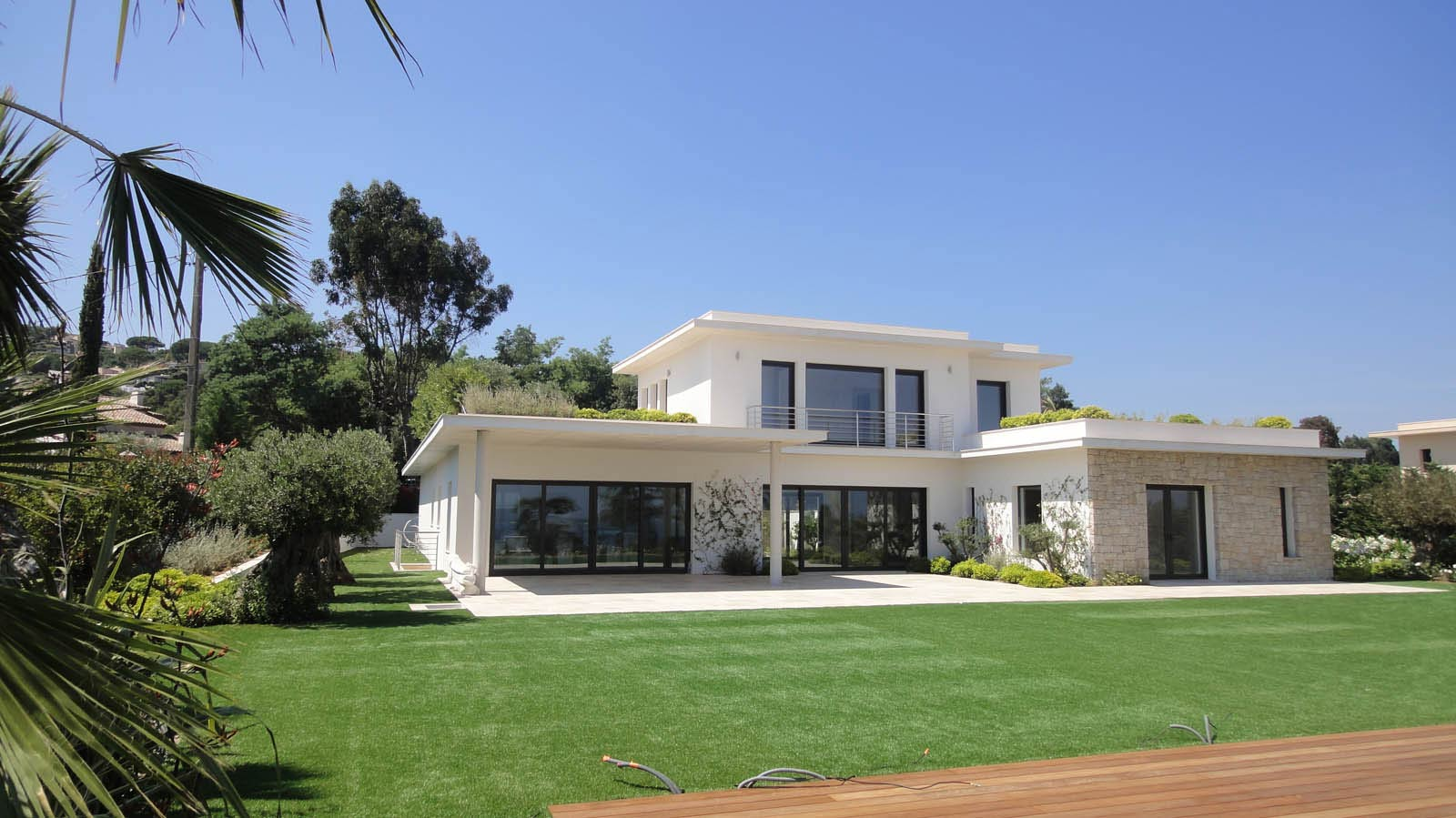 Modern Luxury Villas In The South Of France For Sale