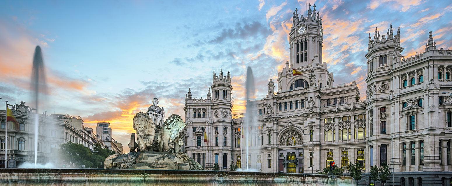 Fuente de Cibeles fountain in Salamanca, Madrid, Spain